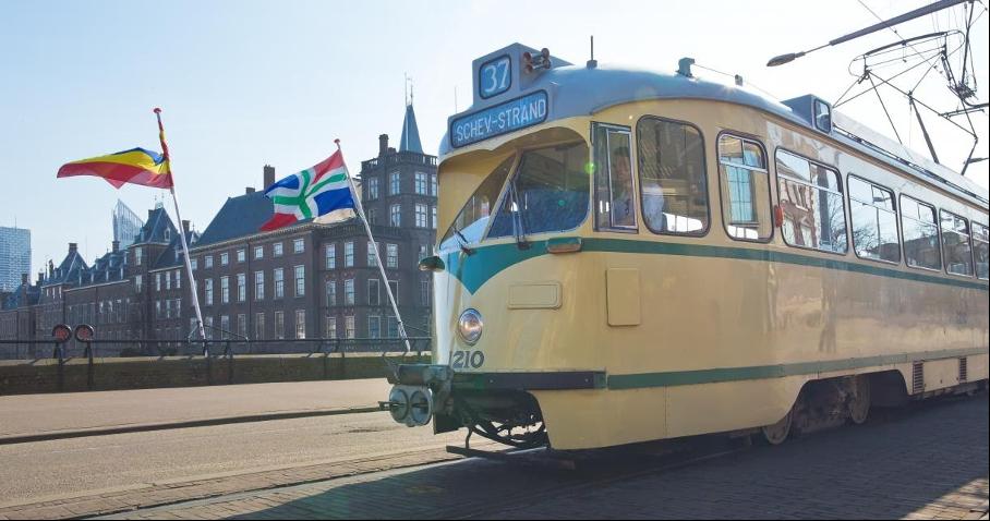 historische audiotour in een tram in den haag